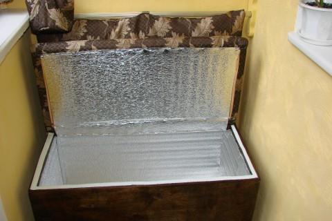 фото: диванчик с ящиком для хранения