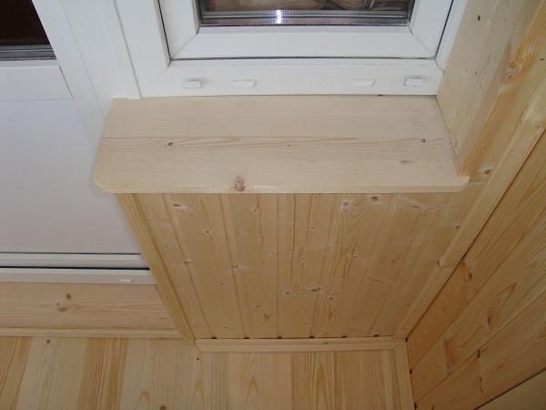фото: подоконник из дерева на балкон