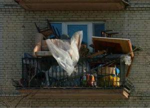 фото: хлам на балконе