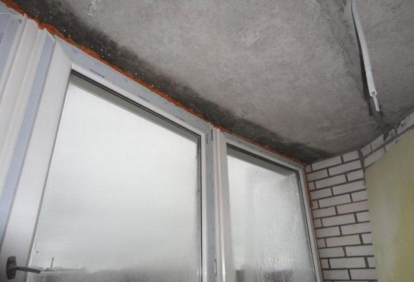 кондесат на балконе