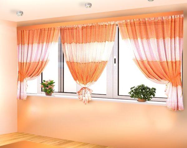 фото: занавески на балкон