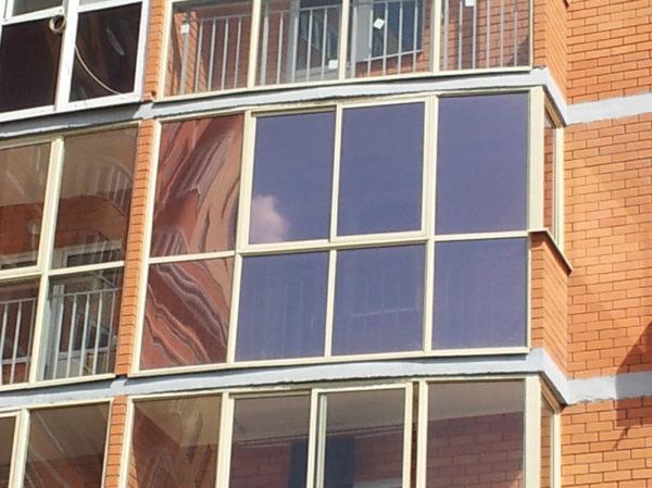 фото: панорамный затонированный балкон