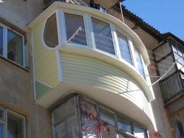 фото: обычный балкон