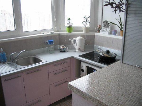 фото: кухня на балконе