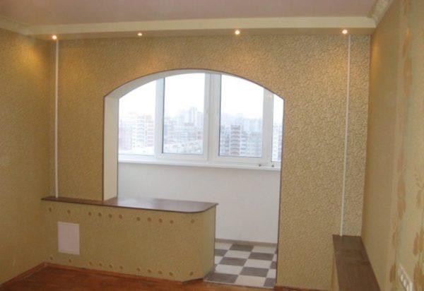 продолжение комнаты с аркой