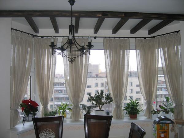 Выбираем дизайн штор для балкона, наши идеи 15 фото.