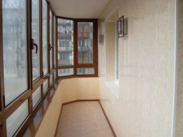 фото: обшитый балкон