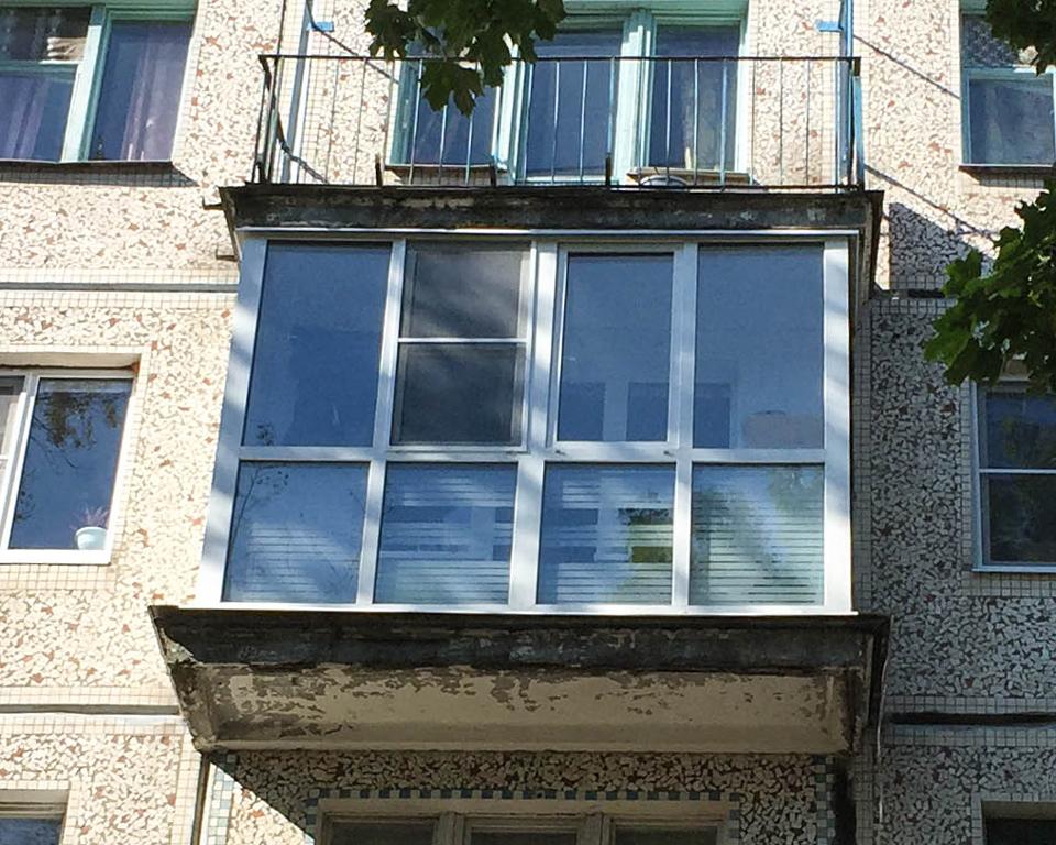 Витражное остекление балкона и лоджии - больше света и красо.