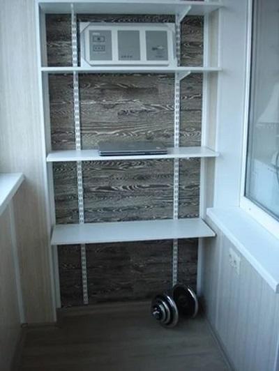 фото: стеллажи для балкона металлические