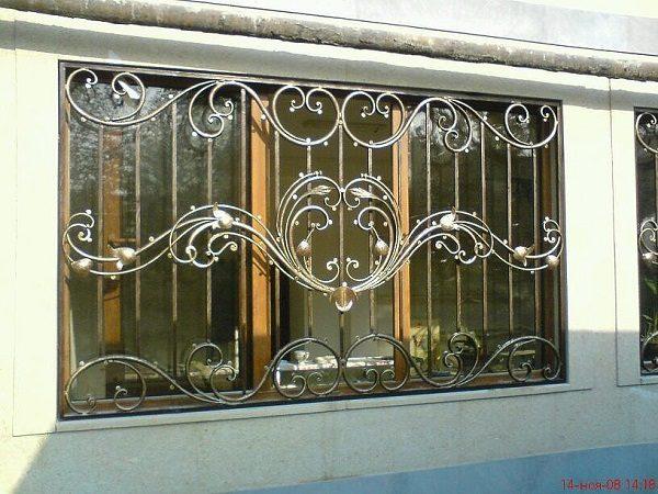Литые решетки на балкон