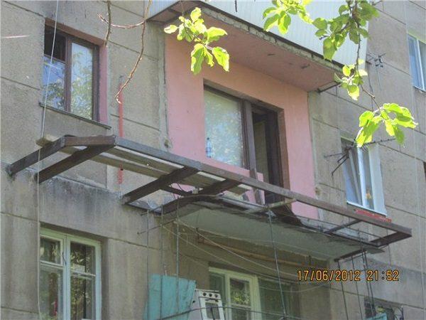 фото: расширение балкона