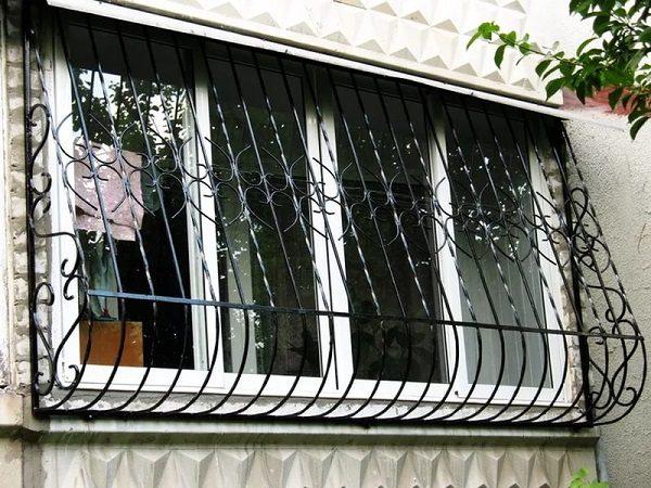 фото: решетки на балкон