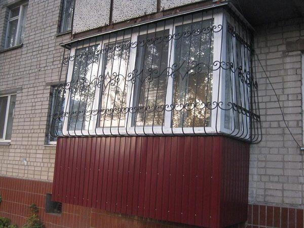 Стационарные решетки на балкон