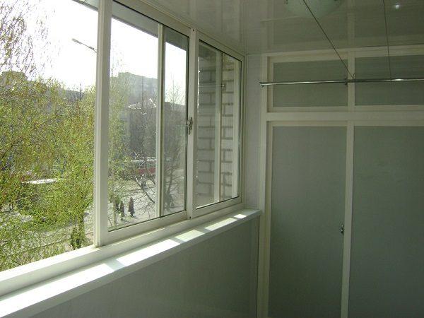 фото: алюминиевые раздвижные окна на балкон