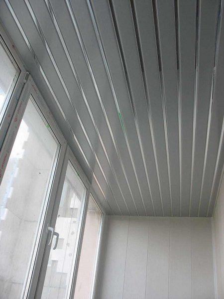 Металлические рейки для балкона
