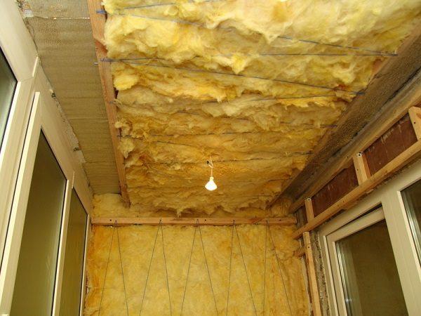 утепление потолка на балконе минеральной ватой