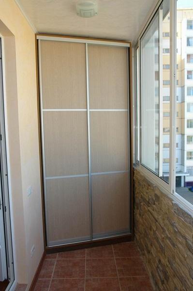 фото: шкаф купе на балкон