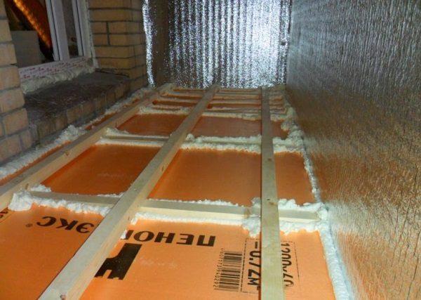 фото: утепление пола на балконе пеноплексом