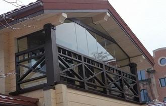 дизайнерский балкон в чсатном доме
