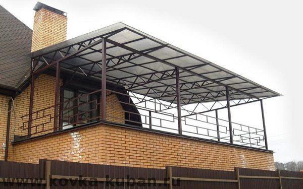односкатный навес на балкон
