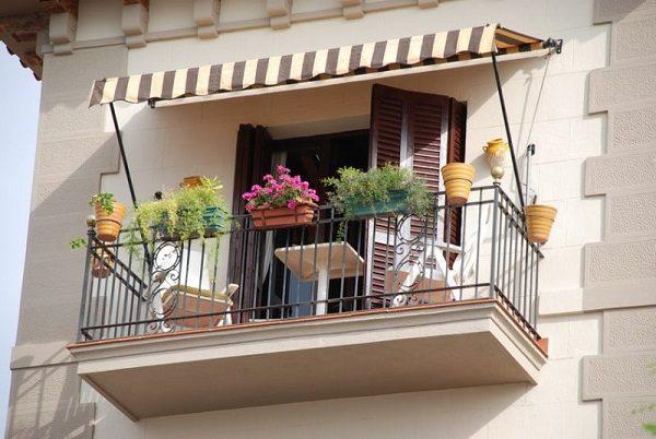 козырек маркиза на балкон