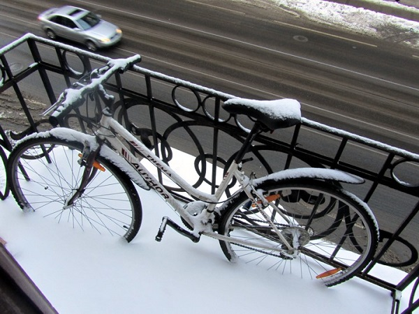 фото: хранение на открытом балконе зимой