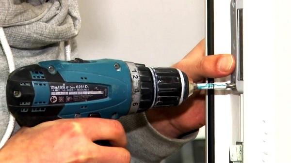 установка магнитной защелки своими руками