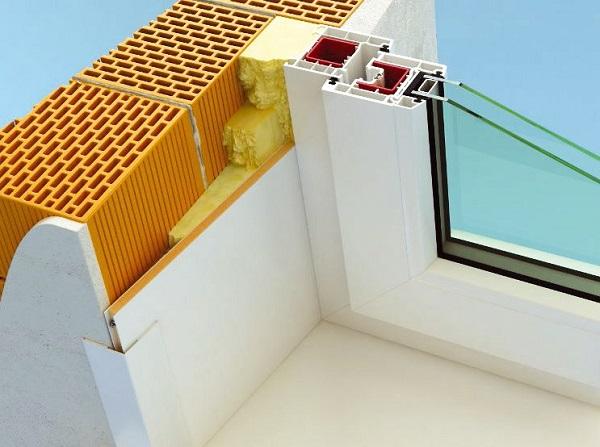 фото: отделка откосов сэндвич панелями