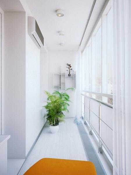 фото: белый цвет для стен балкона и лоджии