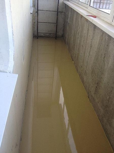 фото: наливные полы на балкон