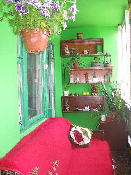 фото: салатовый цвет в интерьере балкона и лоджии