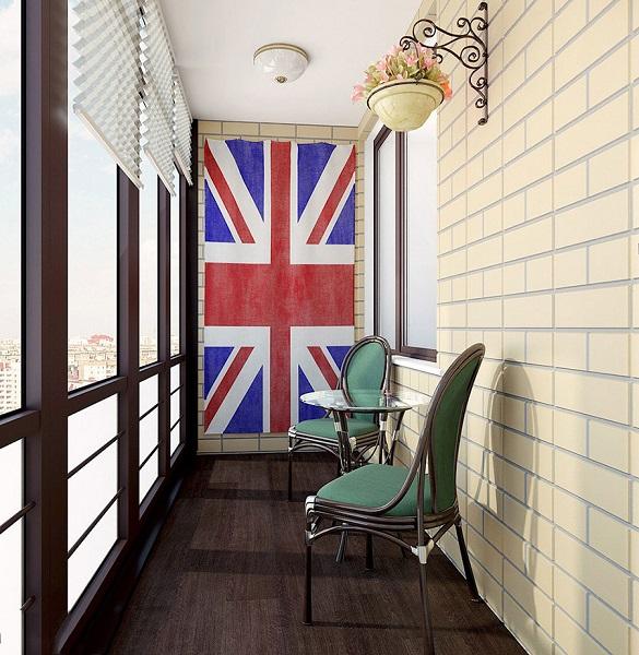 фото: балкон в стиле лофт с флагом
