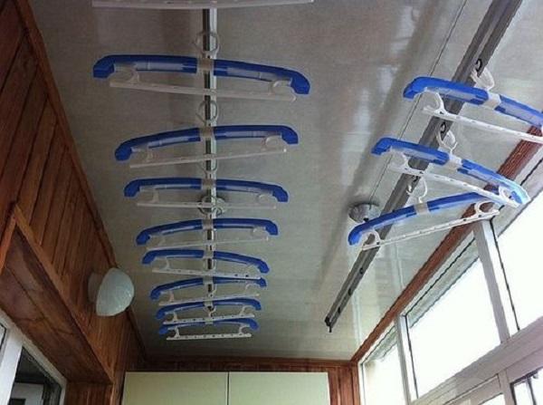 Сушилки для белья на балкон: виды, как выбрать, фото.