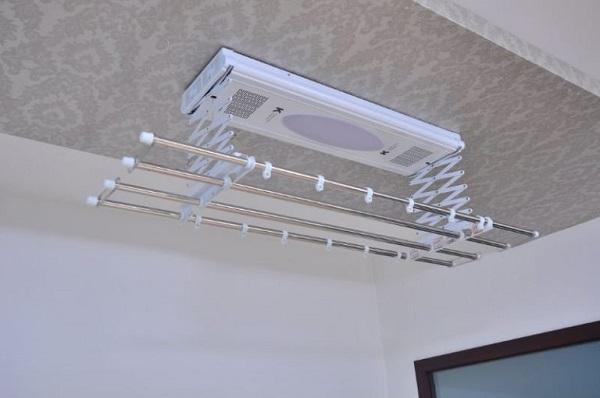 потолочная электрическая сушилка для белья на балкон