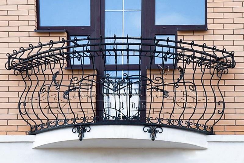 фото: французский кованый балкон