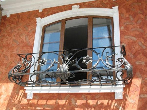 французский кованый балкон барокко