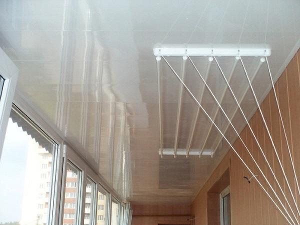 потолочная сушилка для белья на балконе лиана