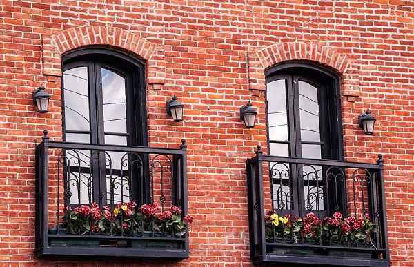 фото: фальш балкон