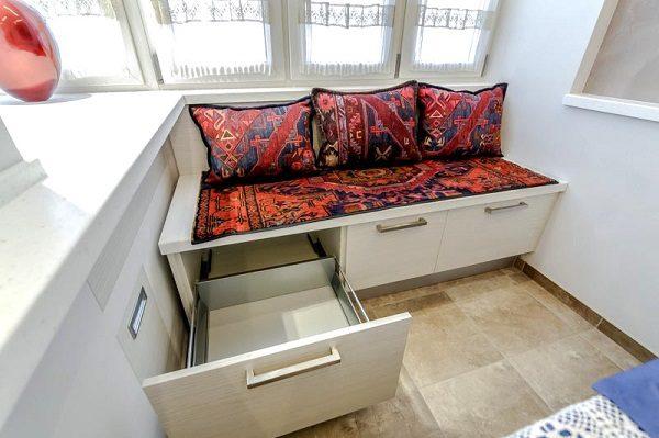 комод на балкон с функцией диванчика