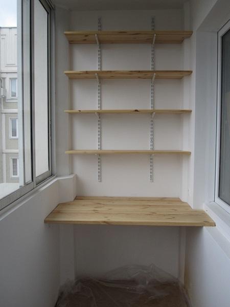 фото: стеллаж на балкон