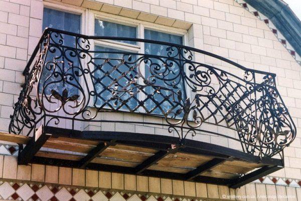 кованые ограждения на балкон