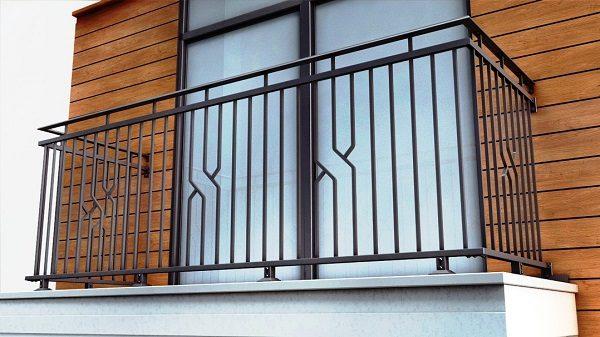 фото: металлическое ограждение балкона