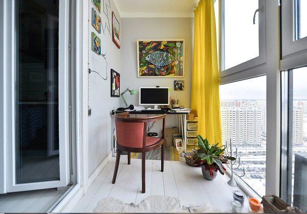 кабинет на панорамном балконе