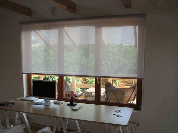 прозрачные рулонные шторы на пластиковые окна