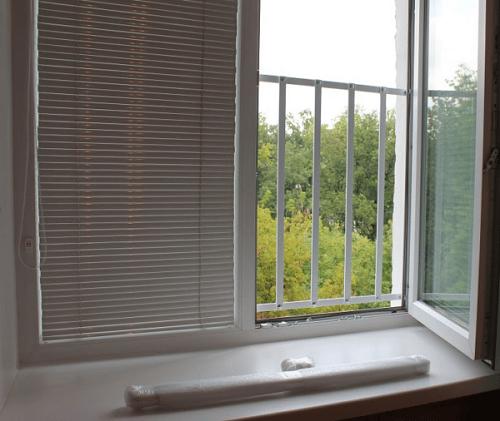 решетки от выпадения с окна детей