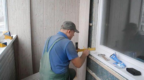 монтаж откосов из мдф панелей на балкон