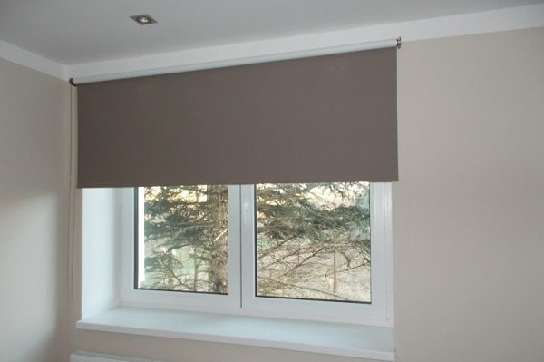 фото: рулонные шторы стандарт