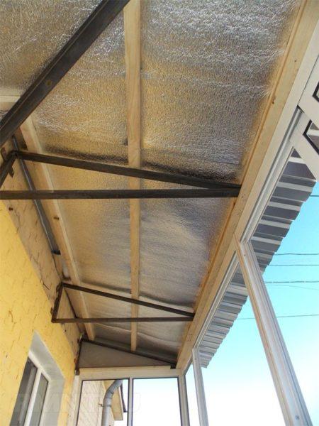 пенофол на крышу балкона