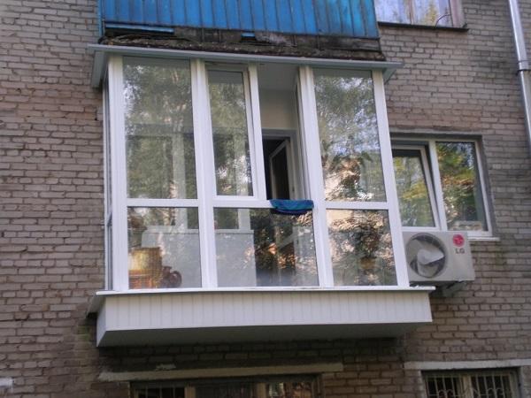 рамное остекление панорамного балкона