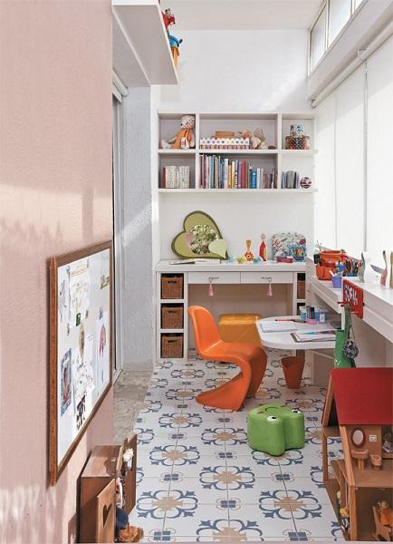детский кабинет на балконе